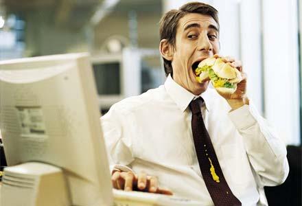 desk_lunch440