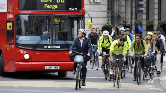 cycling_commuters_in_london