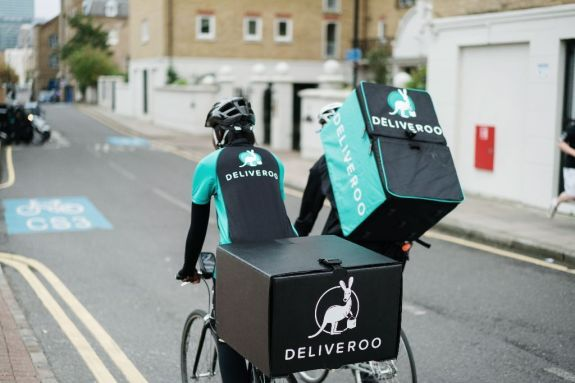 postadsuk-com-4-bicycle-couriers-wanted-deliveroo-london-student-amp-graduate