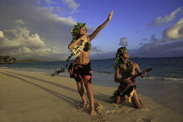 couple-dancing-hula_shutterstock_64958944