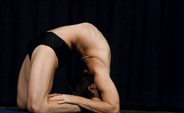 extreme_poses_in_yoga10
