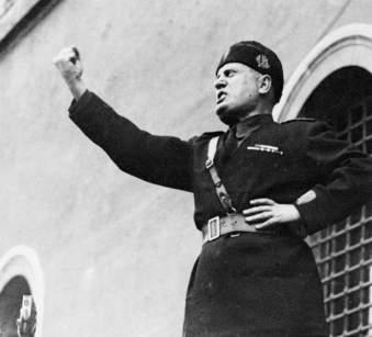 mussolini-1935-a